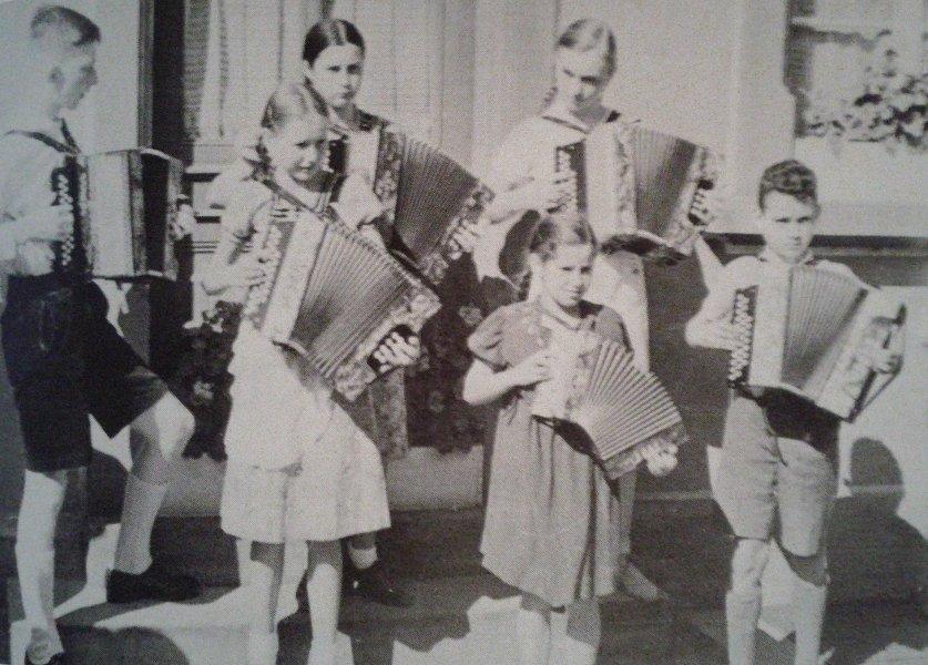 Akkordeonschüler 1936
